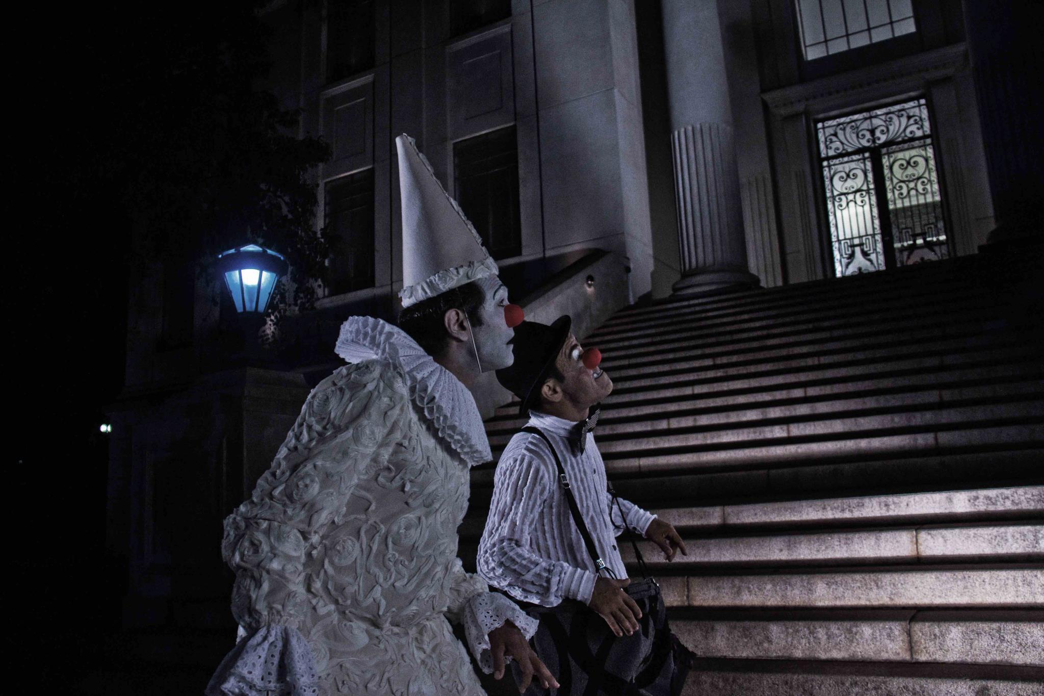 'A Noite dos Palhaços Mudos' tem direção de Juliano Luccas, ex-aluno da AIC