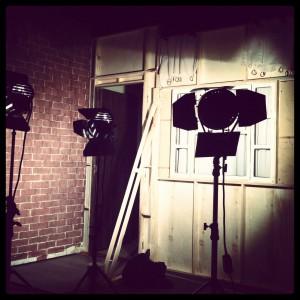Cenário e iluminação feita para gravar o filme da última edição do curso de Direção de Arte Avançado