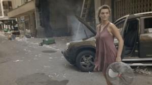A atriz estreante Mayana Neiva em cena do filme O Tempo que Leva