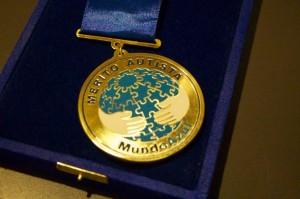 Medalha de Mérito Autista, concedida pela Fundação Mundo Azul