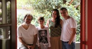 José Eduardo Belmonte , João Assunção, Luiza Cunha e  Fábio Assunção na varanda da AIC durante uma pausa nos ensaios.