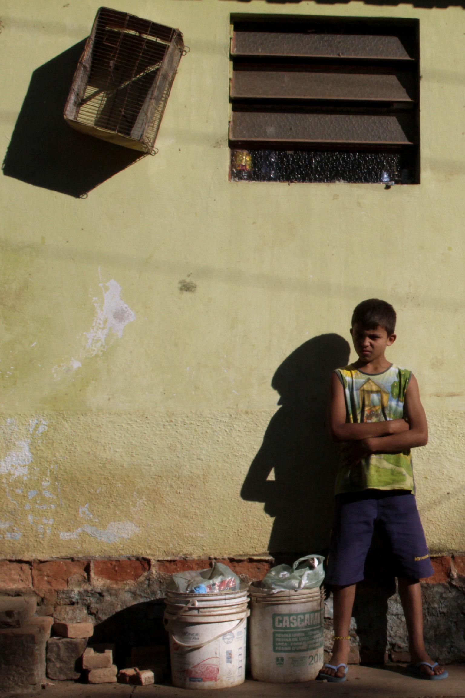 """Documentário """"De Passagem"""" que faz reflexão sobre a questão do estar permanentemente de passagem."""