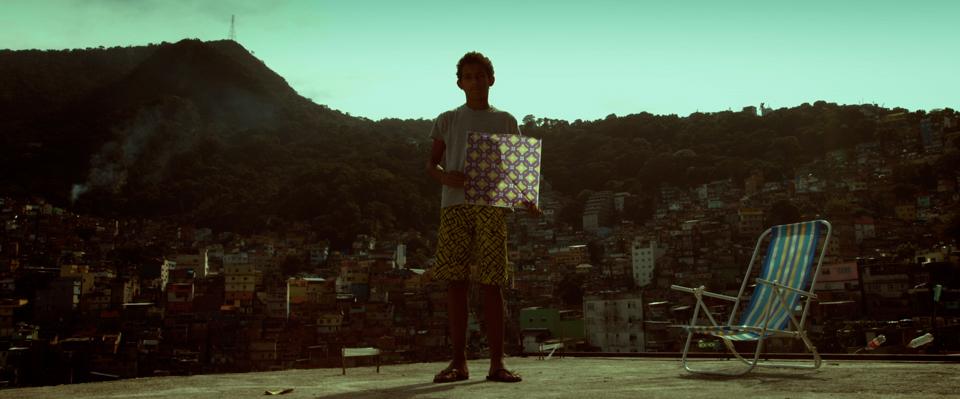 Pipa na Rocinha é tema de doc. de ex-aluno                               e sai na capa do New York Times