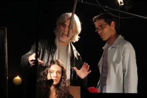 Oswaldo Montenegro com o diretor de fotografia André Horta e a atriz Kamila Pistori. Foto: Rafael Reis