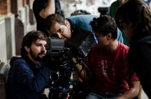 O diretor Miguel Nagle durante as gravações do longa que estreia quinta-feira nos cinemas do Brasil.