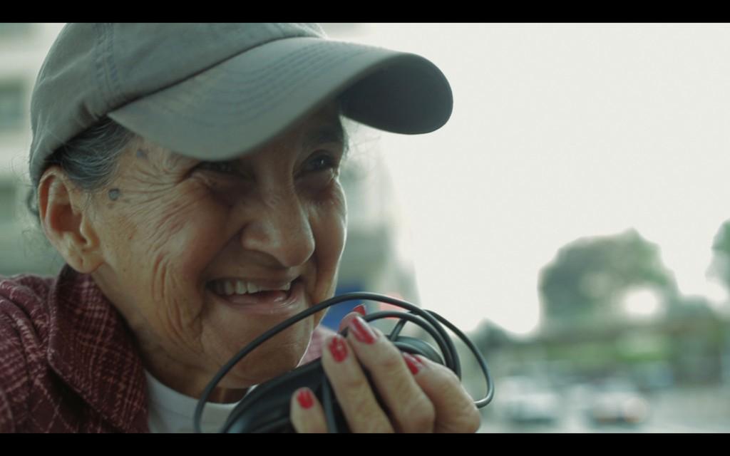 """D. Eliana, a protagonista do filme, de 63 anos, moradora de uma ocupação do movimento sem teto """"Frente de Luta por Moradia"""", na cidade de São Paulo"""