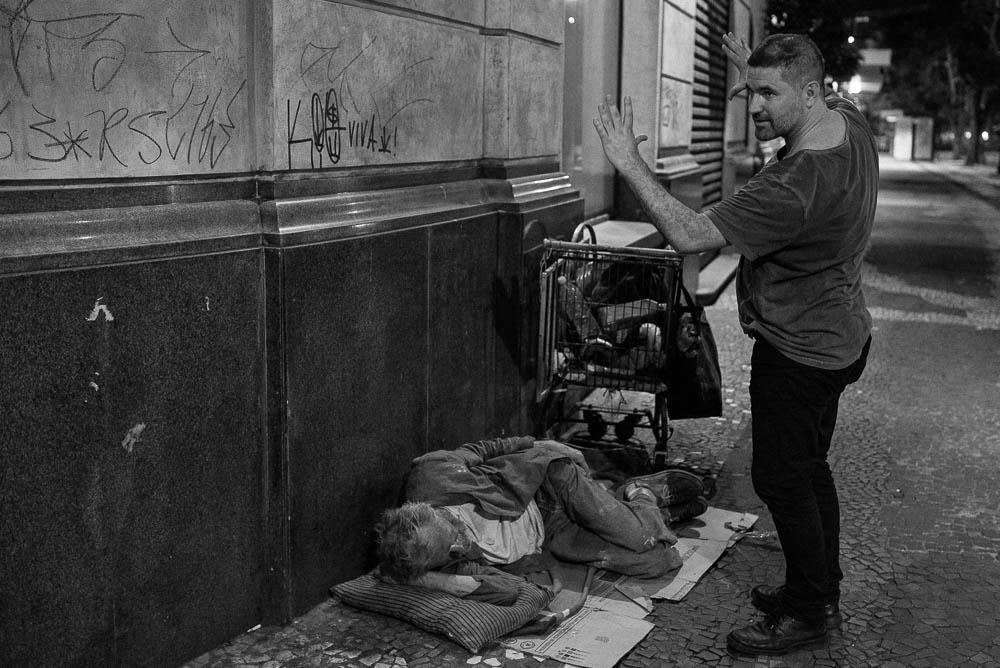 """O encontro entre Cristiano Burlan e Jean-Claude resultou na realização de quatro filmes em que JC participa como ator: """"Amador"""" (2013), """"Hamlet"""" (2014), """"No Vazio da Noite"""" (2015) e """"Fome"""" (2015), que estreará em competição no Festival de Brasília do Cinema Brasileiro."""