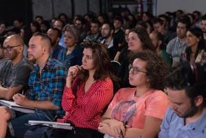 Estúdio AIC São Paulo, casa cheia para ouvir Zico Goés