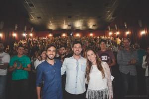 Na sala do Cinemark, ao final da primeira exibição do documentário, sala lotada com mais de 400 pessoas.
