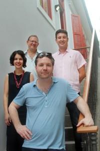 Os sócios da AIC, durante a inauguração da unidade carioca: Steven Richter, Flávia Rocha, Adriano Diniz e Julio Wainer