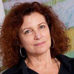 Emília Silveira, Galeria F