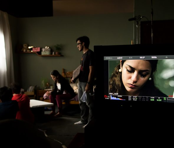 O ator e a atriz se apropriam do texto dramático para dar vida ao personagem.