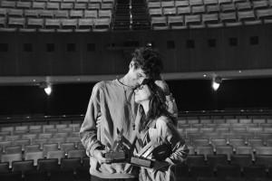 Pedro Henrique Martins e Paulla Carniell, prêmio de Melhor Filme e Melhor Atuação, para Interiores