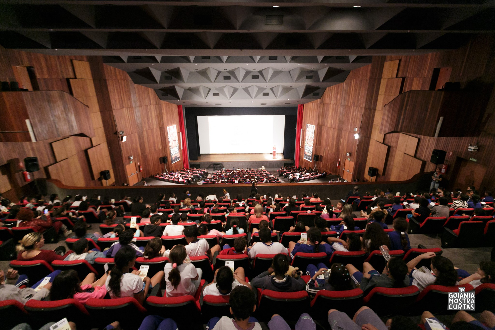 Academia Internacional de Cinema premia os vencedores da 17ª Goiânia Mostra Curtas com bolsas de estudo