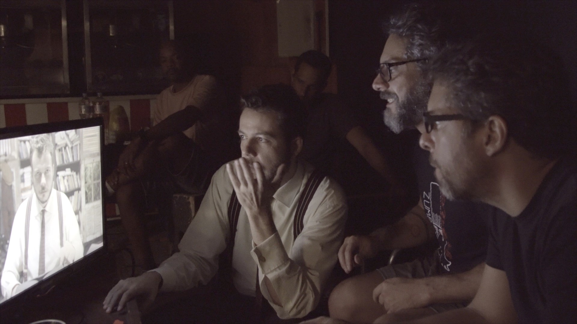 """""""Indivídua"""", novo clipe de João Cavalcanti, tem direção de fotografia de Gláucio Ayala, ex-aluno da AIC"""