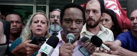 """Deivison Fiuza, ex aluno da AIC, lança o longa """"Abraço – a única saída é lutar"""""""