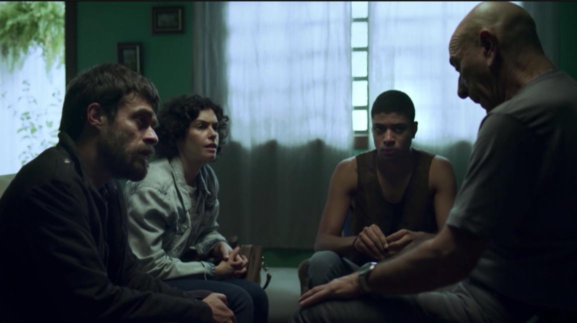 """Victor Salomão, ex-aluno da AIC, estreia série """"Os Ausentes"""" da HBO"""